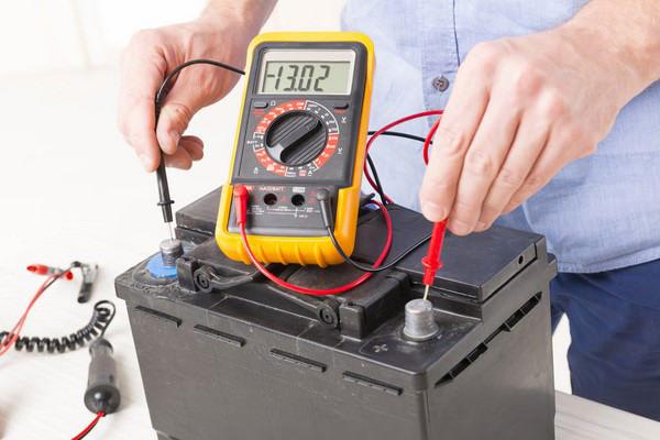 چگونه باتری خودرو را شارژ کنیم؟